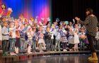 Utrinki iz revije mlajših pevskih zborov