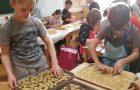 Peka piškotov in bazar na PŠ Kapele